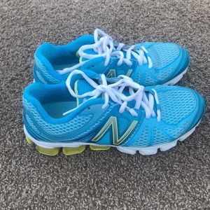 NEW BALANCE Running 721 Shoes size 8